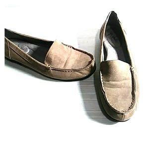 NWOT Lifestride soft system tan loafers size 7